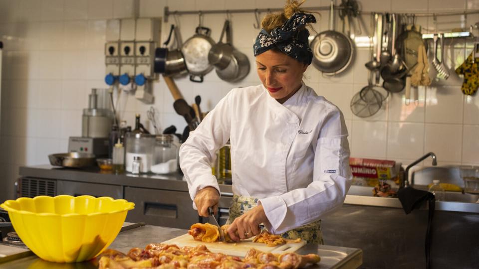 Giada Landi hosting an Italian dining experience
