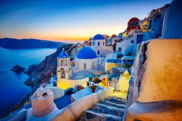 Find Your Happy Place Oia-www.istockphoto.com_gb_photo_romantic-travel-destination-oia-village-santorini-island-greece-gm166699696-23629402-mbbirdy