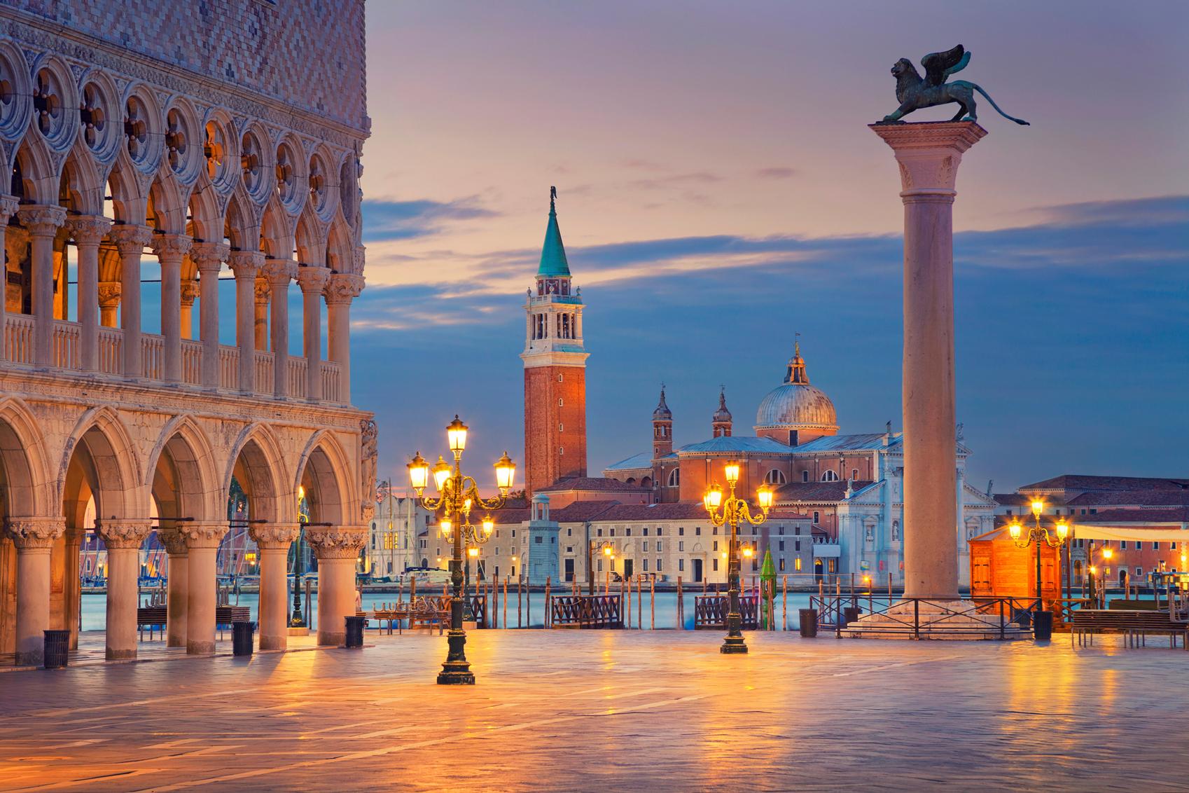 Sights in Italy Venice-www.istockphoto.com_gb_photo_venice-gm490387740-75171769-RudyBalasko