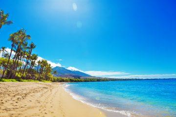 Kaanapali-Beach-Maui-Hawaii-www.istockphoto.com_gb_photo_kaanapali-beach-and-resort-hotels-on-maui-hawaii-gm629772034-112173683-YinYang