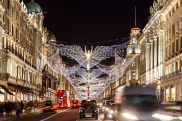 24 hours in London London-Christmas-www.istockphoto.comgbphotochristmas-lights-2016-in-mayfair-london-gm627263472-111056169-Alexey_Ferdorn
