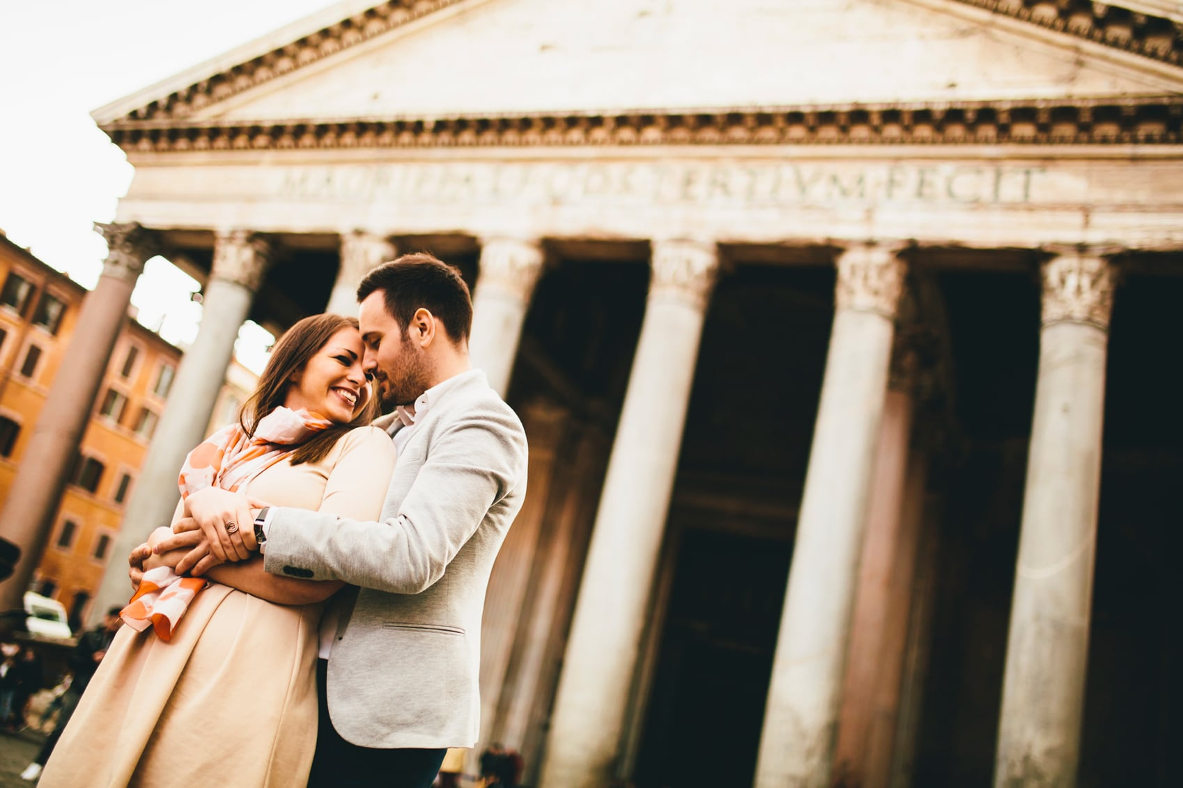 Romantic Things to do in Rome Loving-couple-in-front-of-Pantheon-www.istockphoto.comgbphotoloving-couple-in-front-of-the-pantheon-in-rome-gm657772654-119909569-boggy22