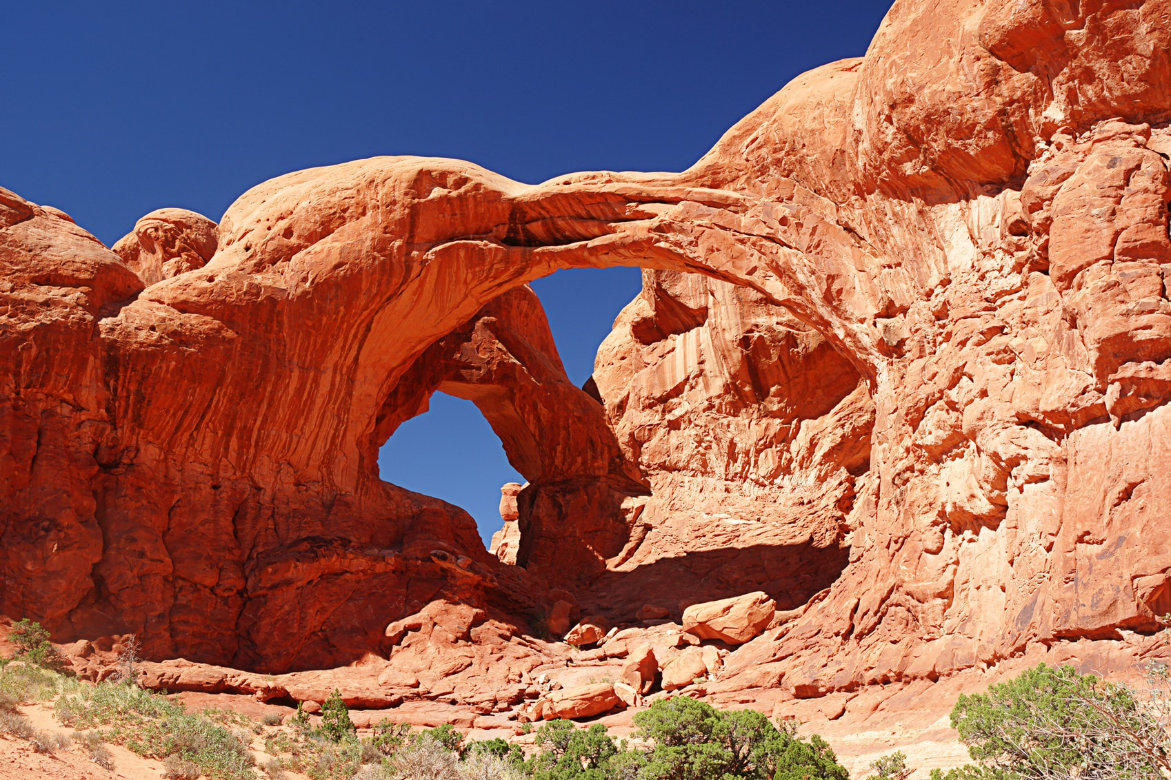 America's National Parks arches-National-park-www.istockphoto.comgbphotodouble-arch-arches-national-park-moab-utah-gm183359414-15105975-TheCrimsonMonkey