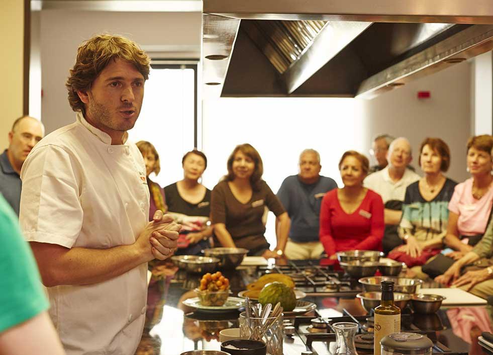 Trafalgar cooking school in Lima