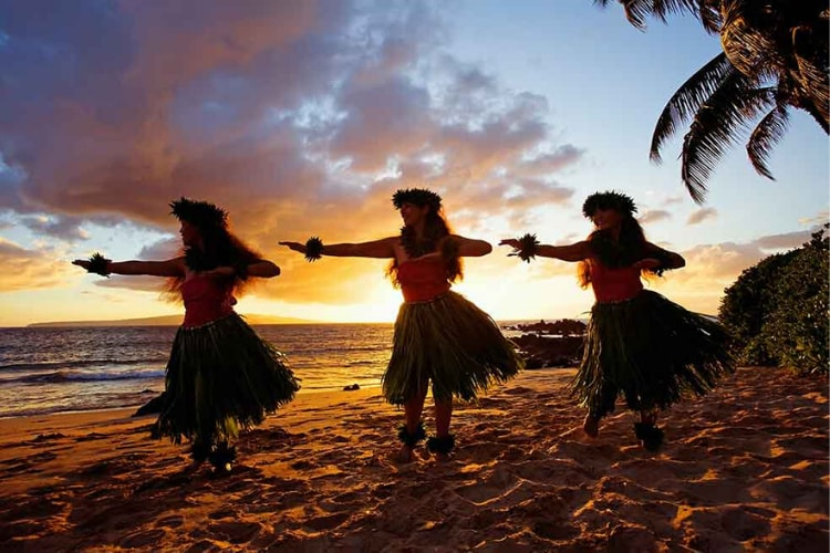 Hula dancers in Hawaii