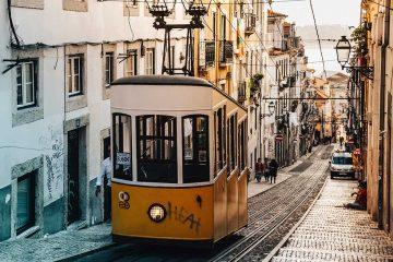 lisbon tram shoulder season