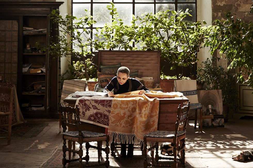 Supporting-The-Last-Of-Italy's-Weavers-Marta-in-her-studio