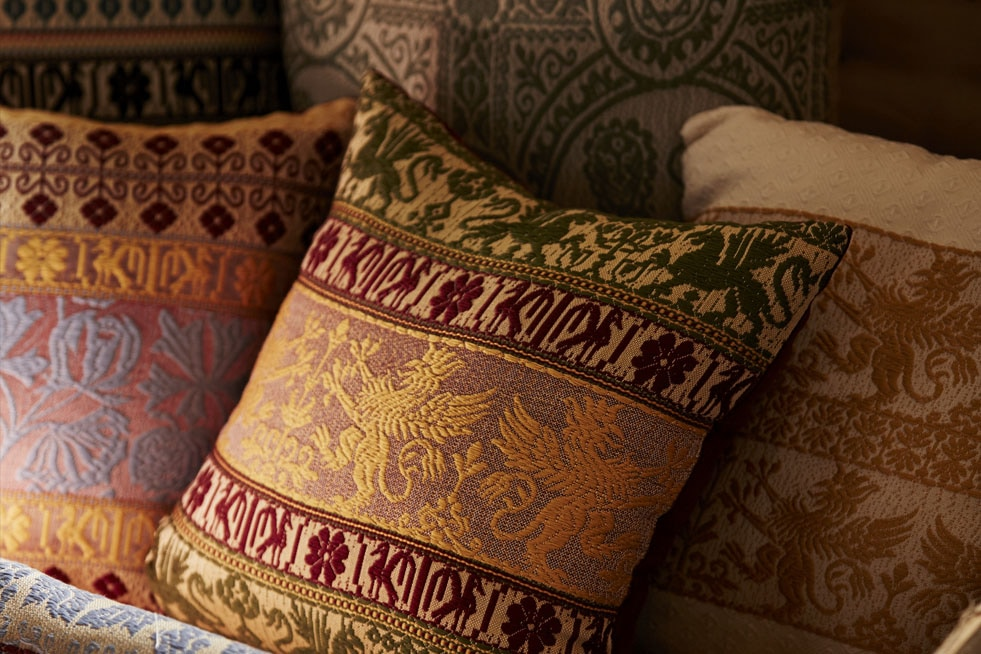 Supporting-The-Last-of-Italy's-Weavers-Woven-Cushions