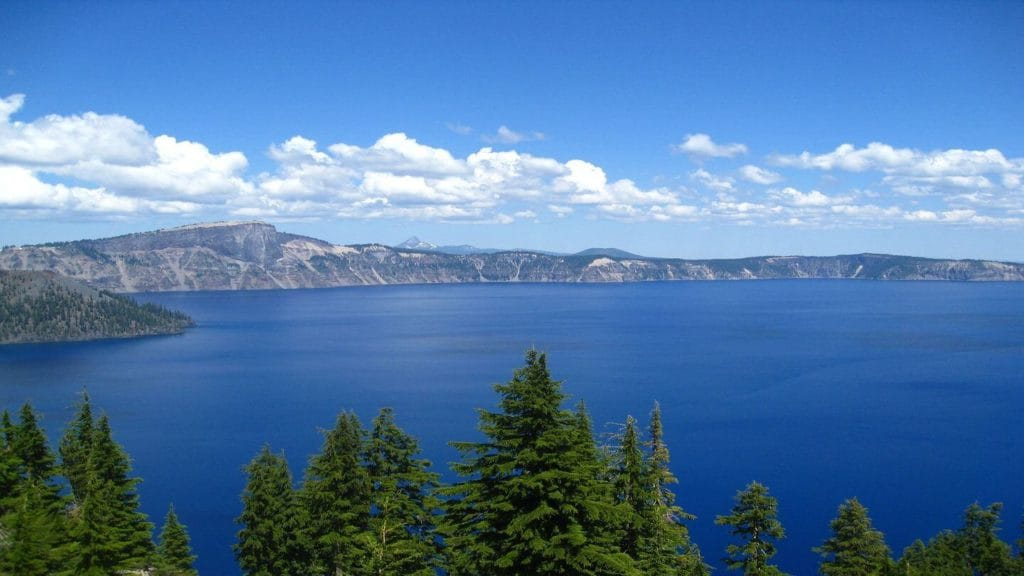 classic blue water crater lake oregon usa