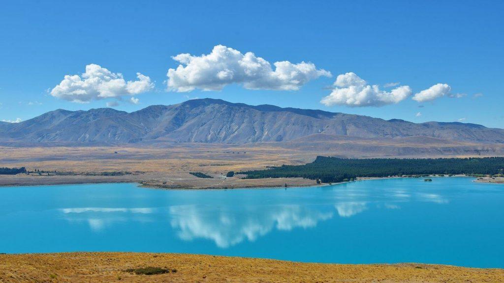 classic blue water lake tekapo new zealand