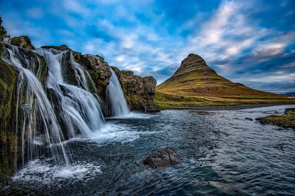 Waterfalls in Iceland - facts about iceland