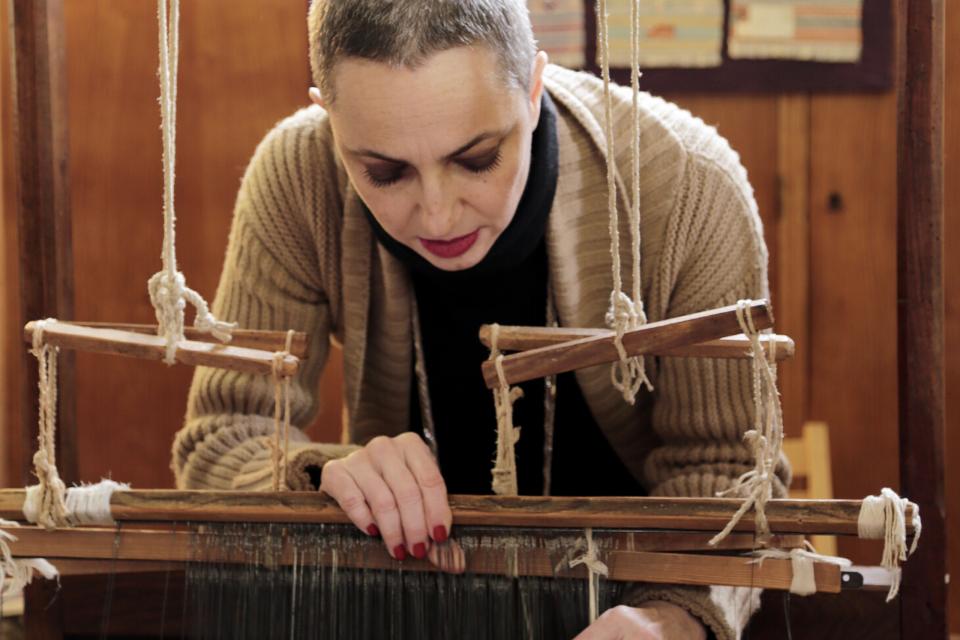 Marta doing Perugian weaving