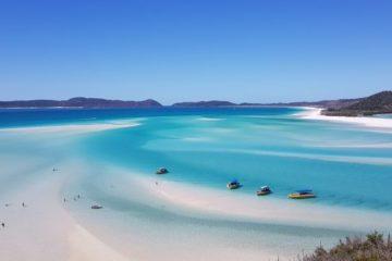 white sands blue sea Whitsundays Australia