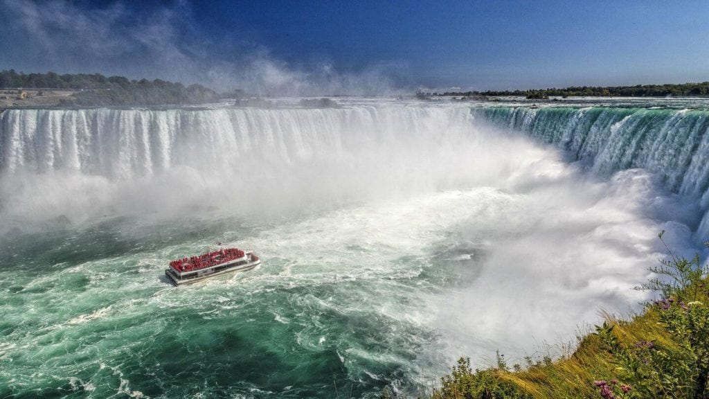 boat ride to the Niagara Falls