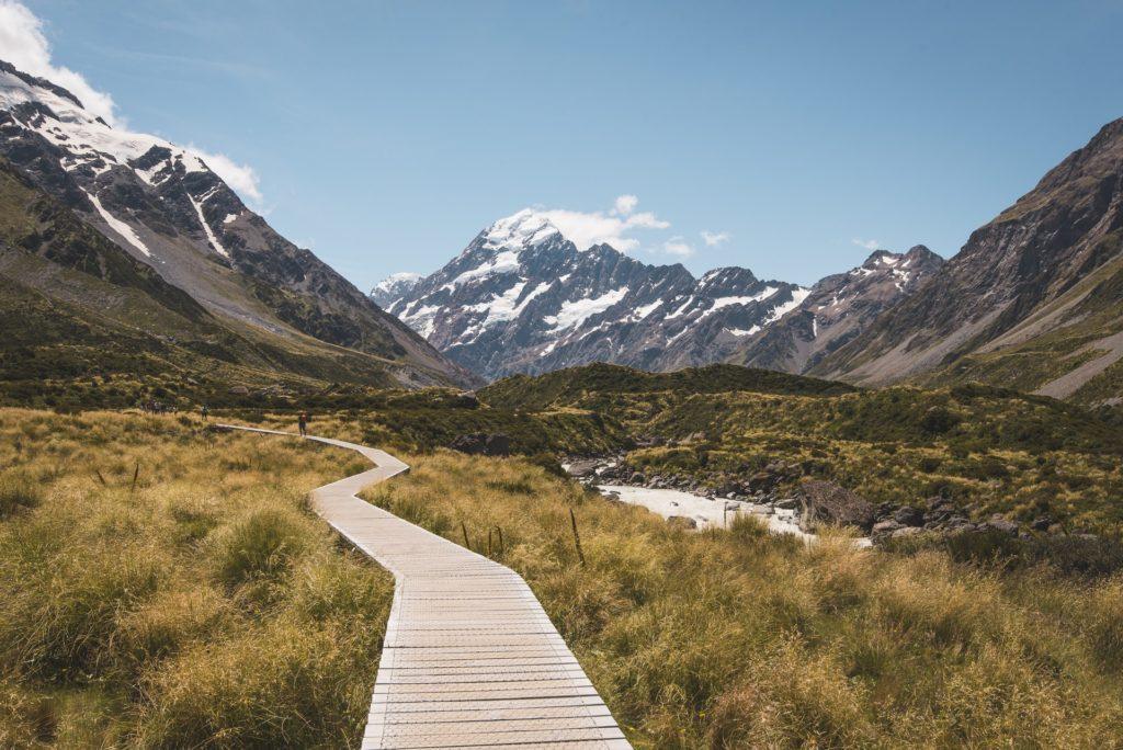 Hooker-Valley-Track-New-Zealand-hangi-traditional-maori-technique