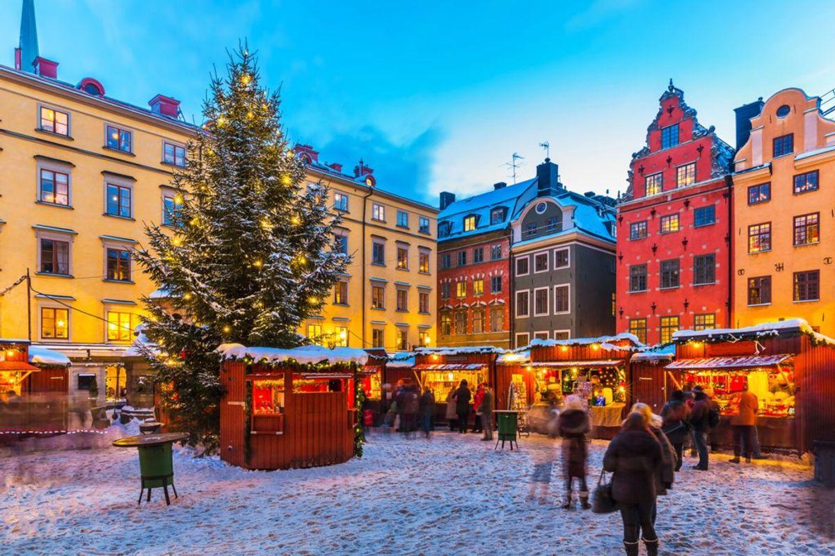 Is stock market open on christmas