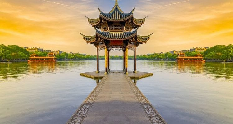 lake temple sunset China travel guide