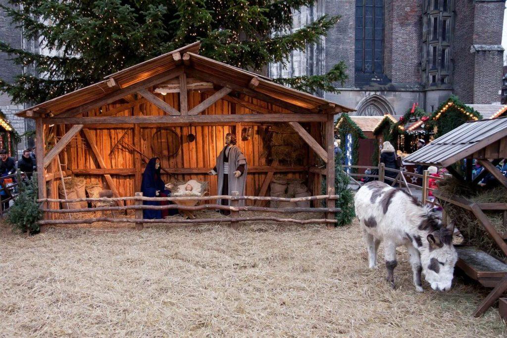Nativity scene French Christmas