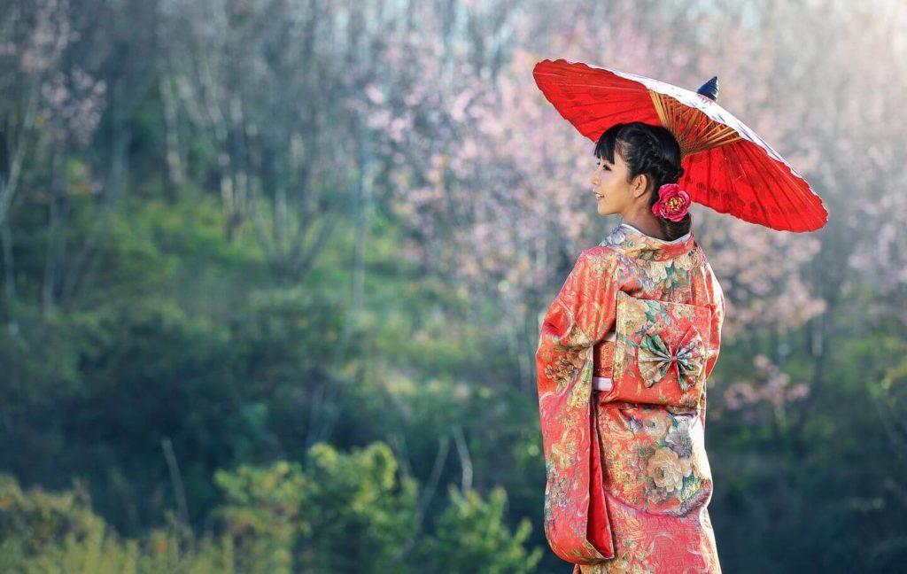 woman in a kimono with parasol Asia bucket list