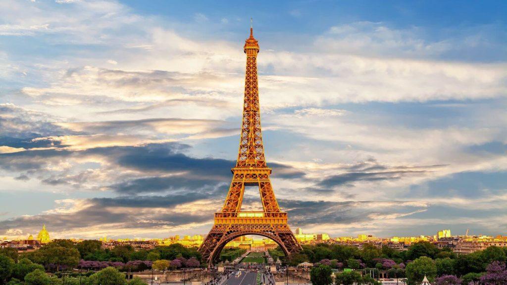 Eiffel Tower Paris planning a trip to Europe