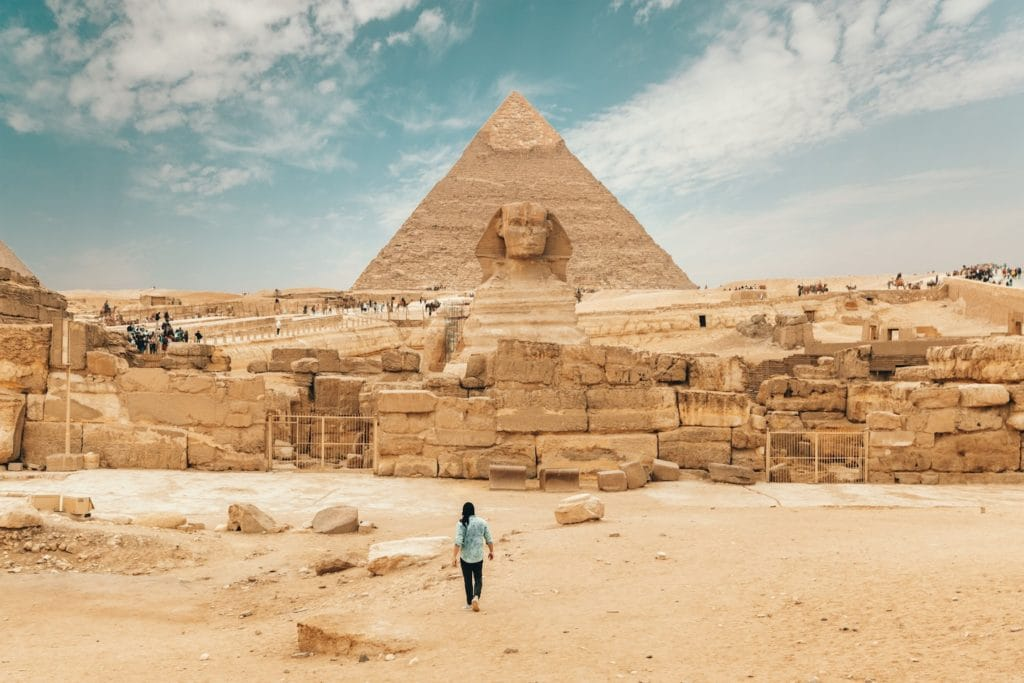 Thing long and loose when considering what to wear on your trip to Egypt