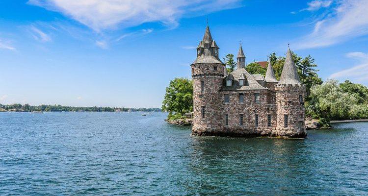 island castle Thousand Islands explore New York State USA