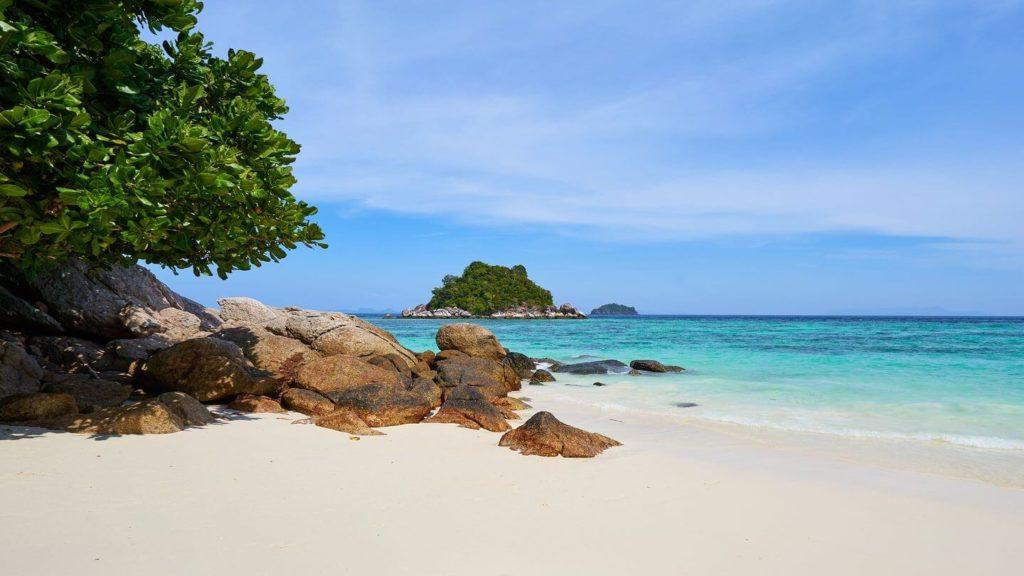 white sands blue ocean Koh Lipe Thailand