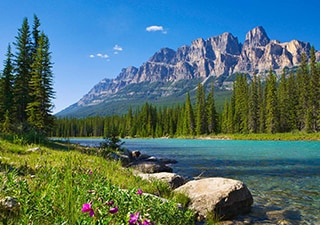 ICONIC ROCKIES AND WESTERN CANADA