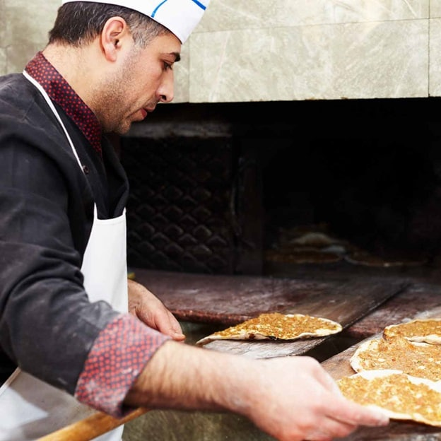Turkey Istanbul Breadmaking 2016 R 174822850 CountryExplorer