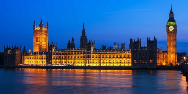 England London HousesOfParliament 2016 L 617397776